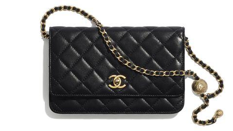 CHANEL小羊皮鏈帶皮夾包,NT. 95,000,尺寸 12.3 × 19.2 × 3.5 cm