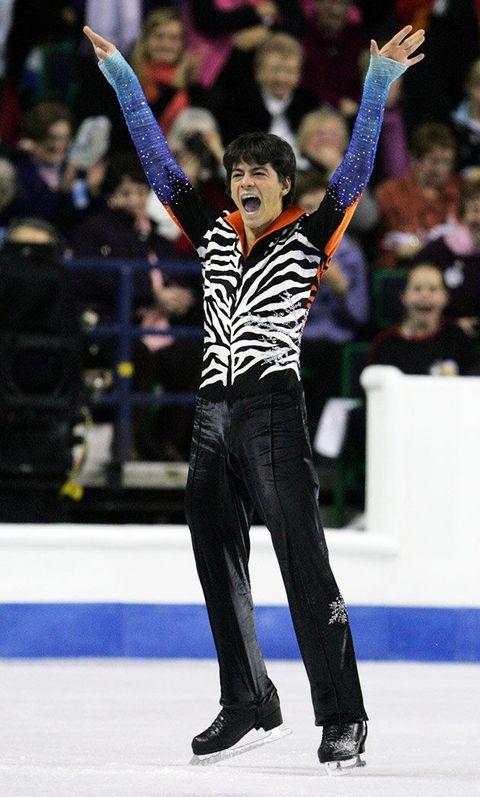 過去の忘れがたいコスチュームを、フィギュアスケート男女シングルの名演技とともにふり返り!