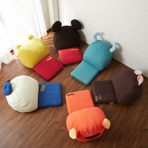 本篇bazaar精選了belle maison官網上三項迪士尼暖萌的保暖傢俱。寒風吹起的秋冬之際,就讓各個可愛的迪士尼人物陪您一起窩在家追劇、耍廢吧!
