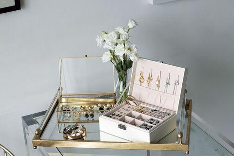 Petal, Bouquet, Metal, Flower Arranging, Vase, Still life photography, Cut flowers, Silver, Artificial flower, Office supplies,