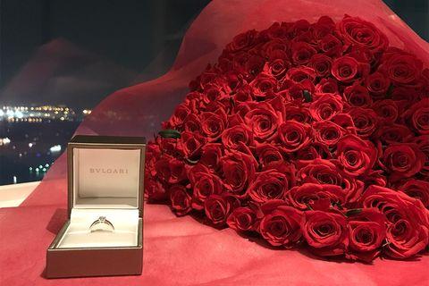 100本のバラとブルガリのリング