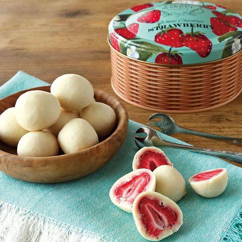 カカオマーケットbyマリベル ホワイトチョコレートストロベリーボール缶