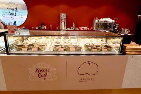 東京排隊甜點「巴斯克起司蛋糕」登場!breeze cafÉx摸摸桃子「草莓、紅烏龍」期間限定口味超推