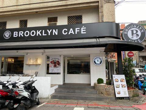比拳頭大的肉桂捲!brooklyn cafÉ慶週年推「肉桂捲、椰汁咖哩雞、叻沙海鮮麵」cp值超高