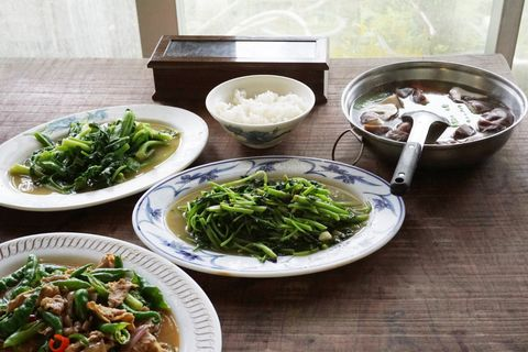 Dish, Food, Cuisine, Namul, Ingredient, Lunch, Meal, Produce, Leaf vegetable, Water spinach,