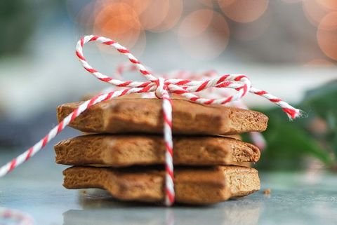 food, sandwich cookies, cookies and crackers, biscuit, speculoos, snack, graham cracker, cookie, baked goods, dessert,