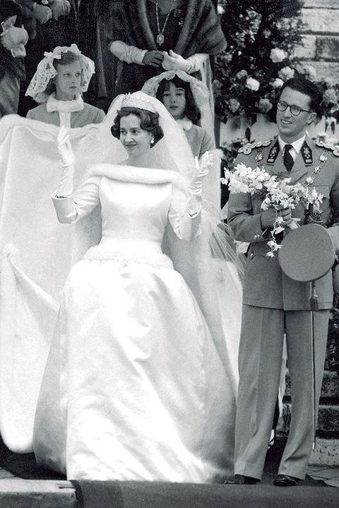 Photograph, Wedding dress, White, Bride, Gown, Dress, Bridal clothing, Bridal veil, Ceremony, Bridal accessory,