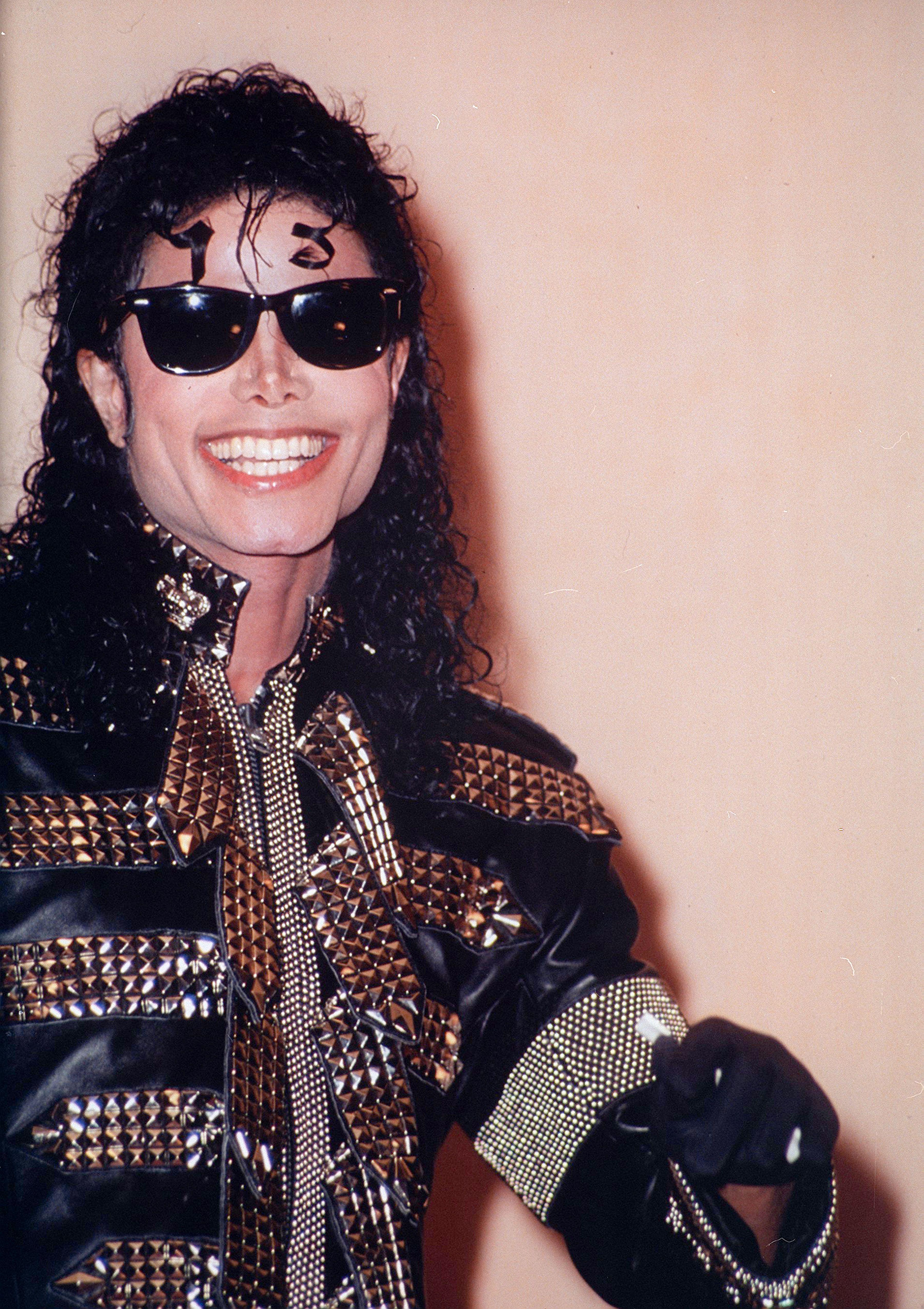 c0d552fcca Michael Jackson Aviator Sunglasses « One More Soul