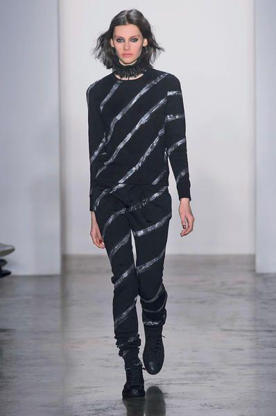 Human, Sleeve, Fashion show, Shoulder, Joint, Style, Fashion model, Runway, Fashion, Neck,