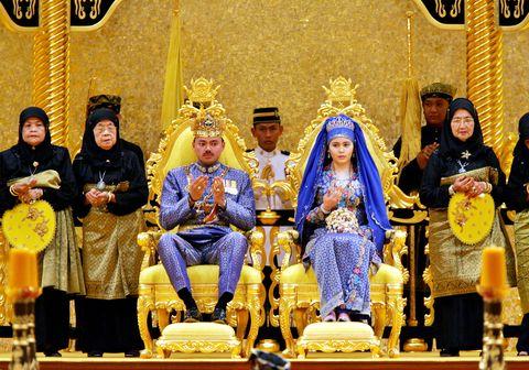 ブルネイ王室の金ぴか結婚式をのぞき見