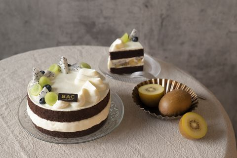 bac秋季水果蛋糕繽紛登場!濃郁起司奶霜搭配酸甜黃金奇異果、新鮮藍莓,一解秋天的甜點癮