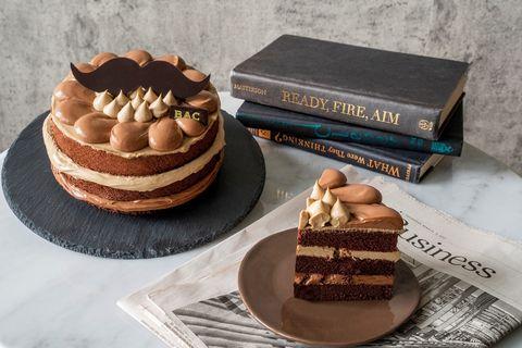 bac推出父親節限定蛋糕!焙茶巧克力蛋糕茶韻撲鼻、甜而不膩,童趣紳士鬍造型超吸睛