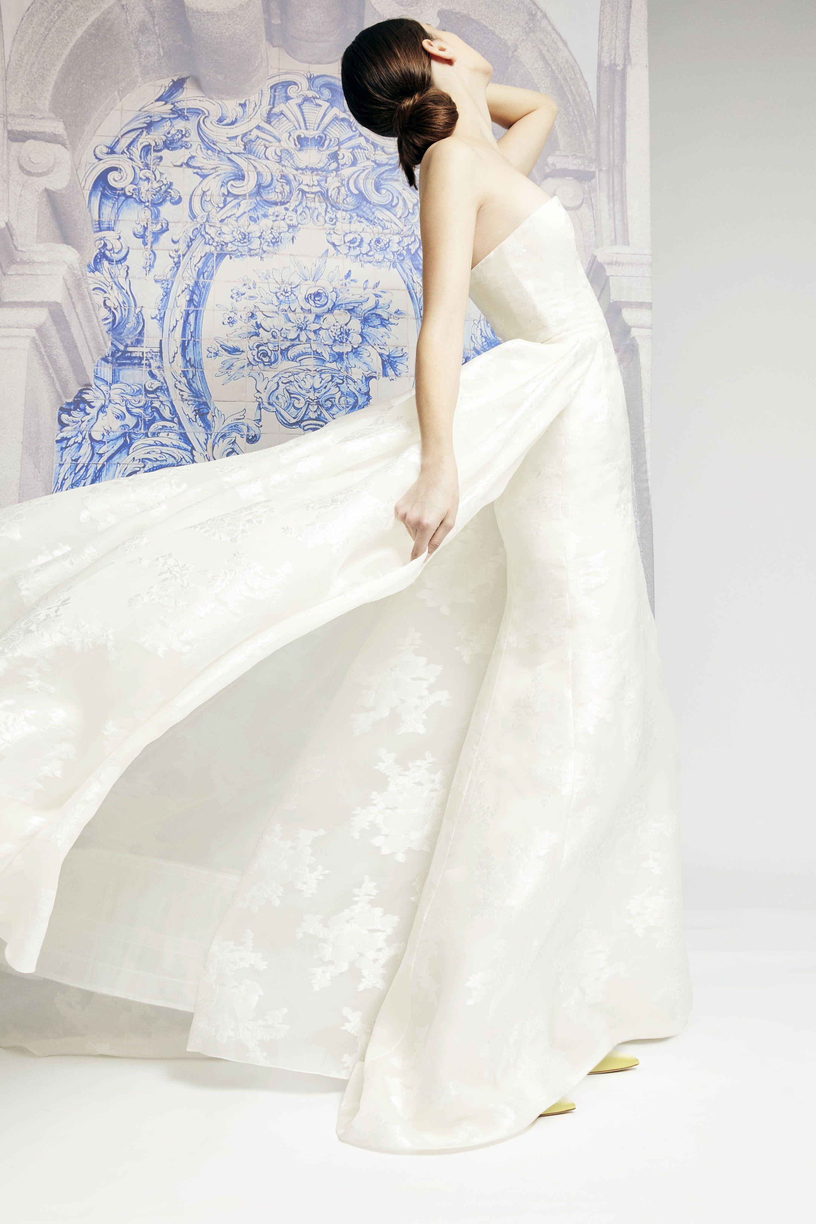 80+ Best Wedding Dresses Fall 2019 - Top Autumn Bridal Runway Looks 2c00339e9d6