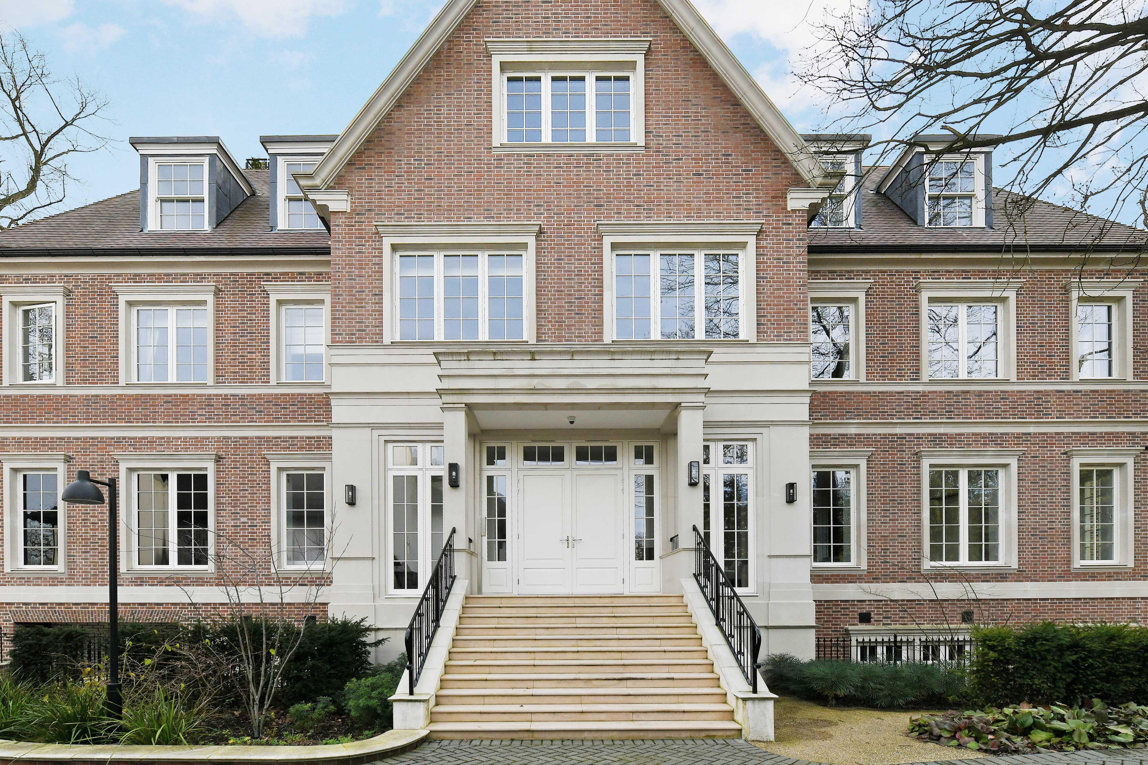 Live in a prestigious development on London's Billionaires' Row