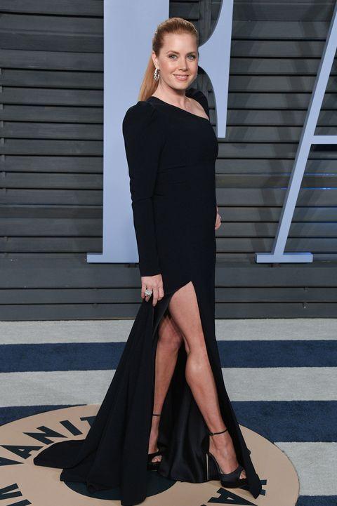 Fashion model, Clothing, Shoulder, Dress, Fashion, Beauty, Little black dress, Leg, Footwear, Haute couture,