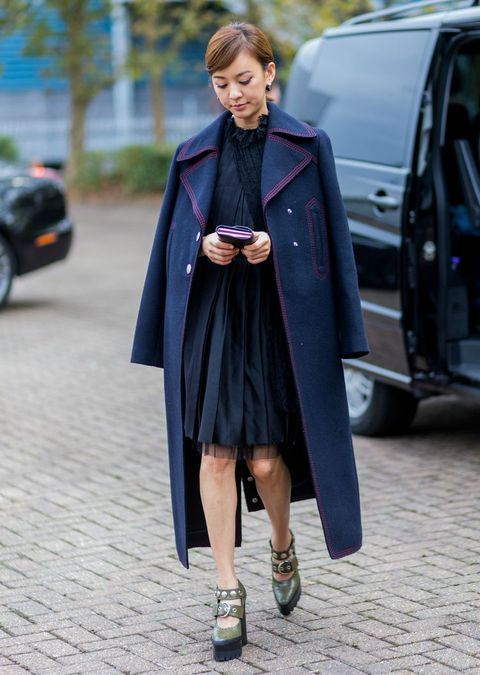 Clothing, Street fashion, Fashion, Coat, Outerwear, Snapshot, Footwear, Overcoat, Shoe, Trench coat,