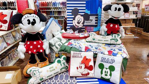 迪士尼5巨星全出動!hola x迪士尼「夏日運動系列」,桌球拍砧板、造型靠墊都想入手!