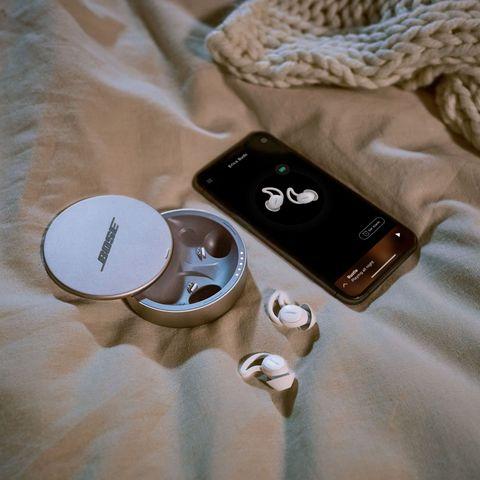 床伴打呼聲太大、鄰居半夜製造噪音?一覺到天亮必備舒眠神器推薦,「bose遮噪睡眠耳塞」使用指南分享
