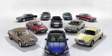 Wheel, Automotive design, Vehicle, Land vehicle, Automotive parking light, Car, Automotive exterior, Hardtop, Hood, Grille,