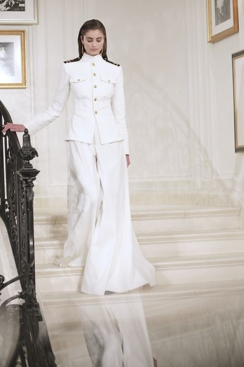 Sleeve, White, Formal wear, Style, Picture frame, Stairs, Bridal clothing, Gown, Dress, Fashion,