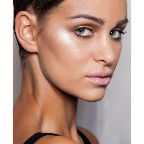 Face, Hair, Eyebrow, Skin, Cheek, Chin, Lip, Hairstyle, Beauty, Nose,