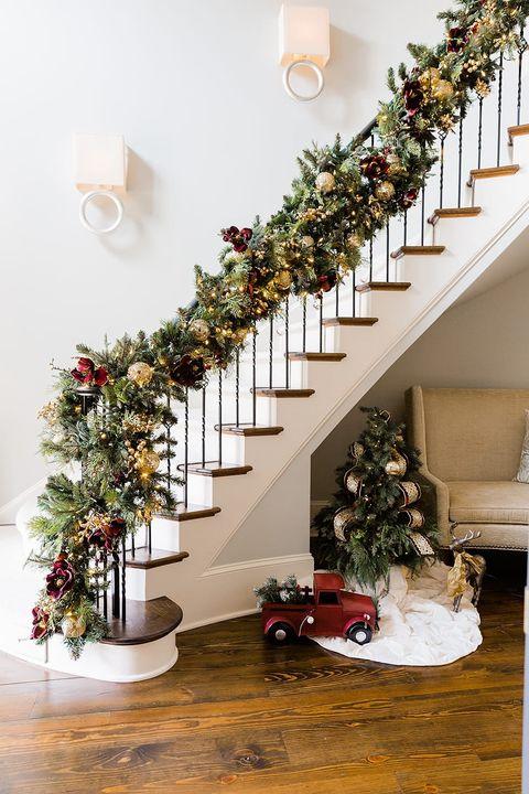 diy staircase banister garland