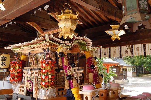 京都 北野天満宮に飾られた「ずいき神輿」