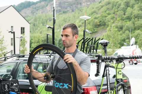 19 Mechanic Tips and Tricks From The 2017 Tour de France