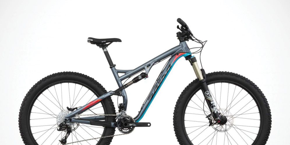 1e047c20dc6 2016 Buyer's Guide: Best Plus-Size Mountain Bikes | Bicycling