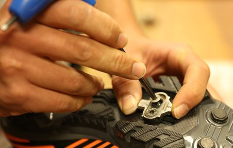 How to Start with Clipless Pedals | Bicycling