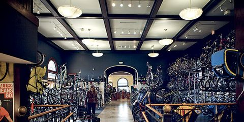 Ceiling, Rim, Auto part, Bicycle tire, Light fixture, Bicycle wheel rim, Bicycle wheel, Bicycles--Equipment and supplies, Aisle, Spoke,