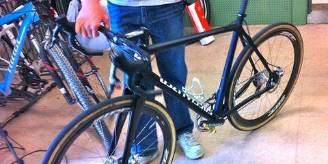Tire, Bicycle wheel, Wheel, Bicycle tire, Bicycle frame, Bicycle wheel rim, Bicycle fork, Bicycle part, Bicycle, Spoke,