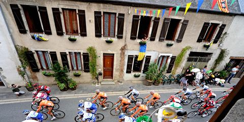 Bicycle handlebar, Window, Bicycle frame, Bicycle tire, Bicycles--Equipment and supplies, Bicycle part, Bicycle fork, Bicycle helmet, Bicycle wheel rim, Bicycle,