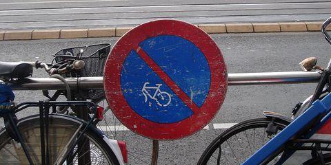 """""""No Cyclist"""" sign"""