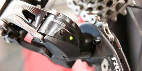 SRAM Red eTap - rear derailleur LED