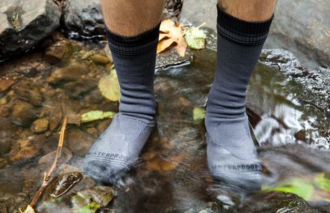 Review Showers Pass Crosspoint Waterproof Socks Bicycling