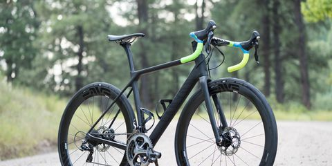 Enve's 4.5 AR Disc wheels are designed to make wide tires faster