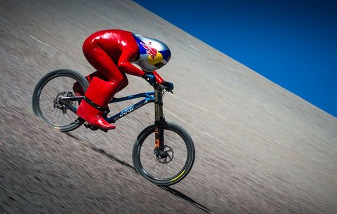 Red Bull Mountain Bike >> Watch This Rider Set The Mtb Speed Record On A Stock Bike Bicycling