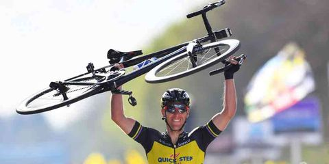 phillipe gilbert wins 2017 tour of flanders