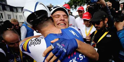 marcel kittle hugging a teammate