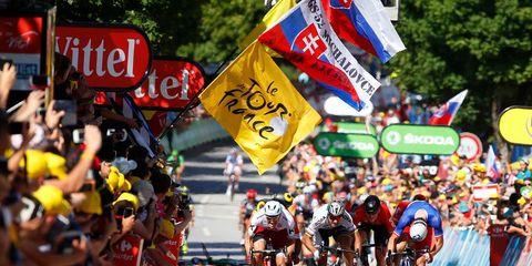 tour de france stage 4 sprint finish crash
