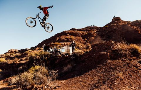 Red Bull Mountain Bike >> These Custom Mods Help Red Bull Rampage Bikes Survive The Gnarliest