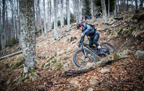 Women's Trail Bikes - Canyon Spectral WMN | Bicycling