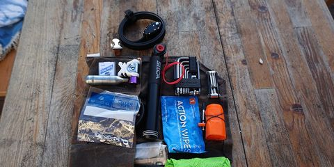 how to pack your saddle bag