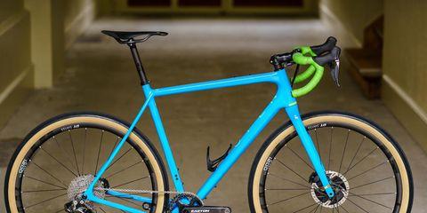 Land vehicle, Bicycle, Bicycle wheel, Bicycle frame, Bicycle part, Vehicle, Bicycle tire, Bicycle handlebar, Spoke, Road bicycle,