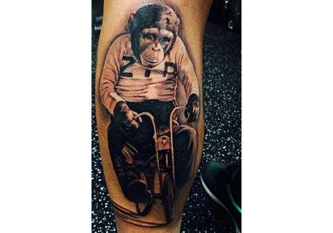Tattoo, Knee, Bag, Temporary tattoo, Walking shoe,
