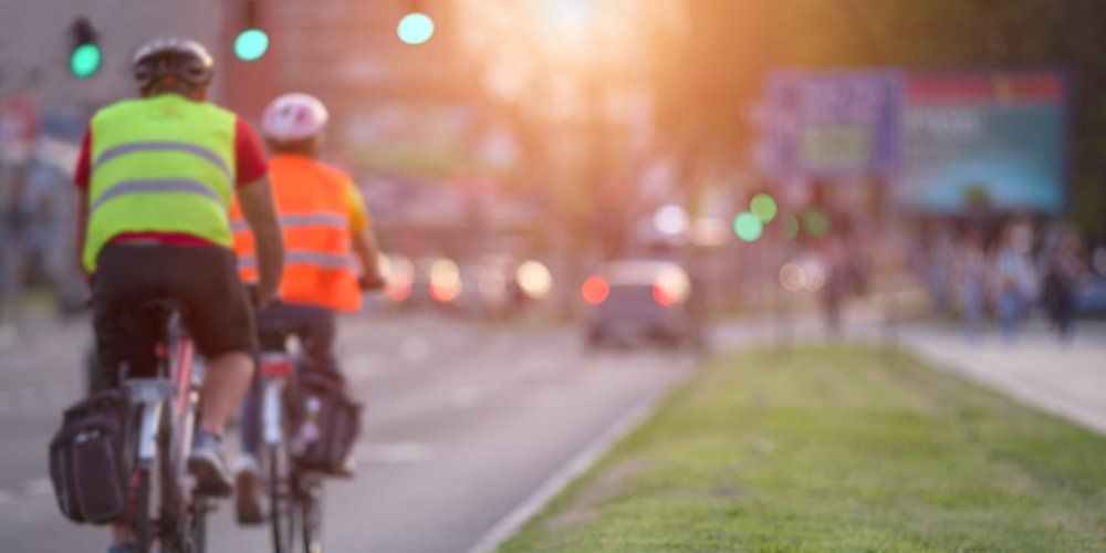 Your Definitive Guide to Riding Your Bike in Traffic | Bicycling