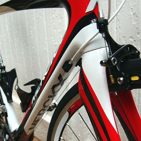 a carbon fiber bike
