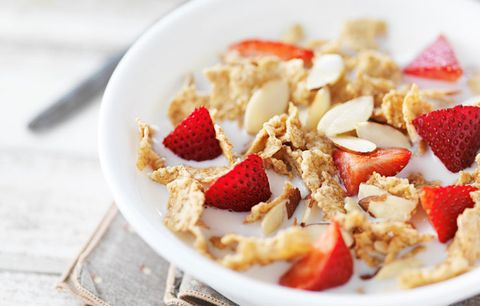 Food with Vitamin d: cereal with strawberries