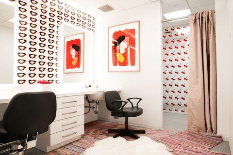 Cosmopolitan Com S New Office